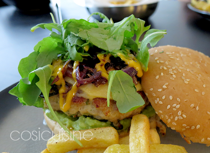 burger-guaca-02